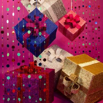 Reuze cadeaus en pailletten gordijnen