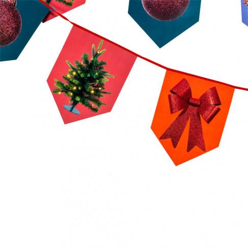 vlaggenlijn kerst 10 meter lang met 32 vlaggetjes aan rood band, multicolor papier, 1000 x 30 cm