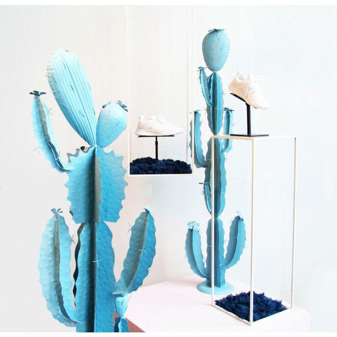 Complete displayset met zuilen en 2 metalen cactussen