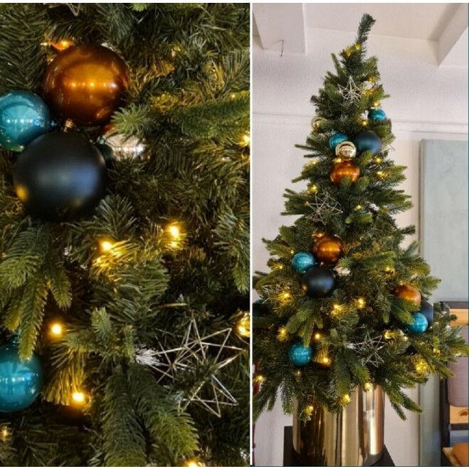 Kerstboom waltham 150 cm met decoratie goud, groen en koper